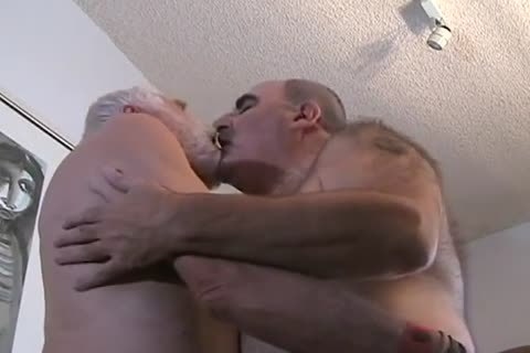 two older stud getting off