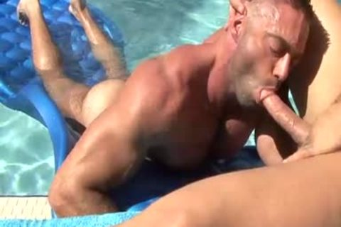 They Are Clear To engulf penis In The Pool