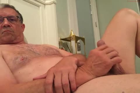 big Dicked dad wanking 010