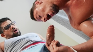 Drill My Hole - Bear Skyy Knox goes in for gaping