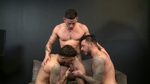 MenOver30.com - Pierced Cesar Rossi really likes hard pounding