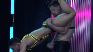 HotHouse.com - Hunk Beaux Banks playing with Roman Todd